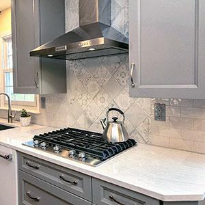 Дизайн кухонного фартука и материалы для него